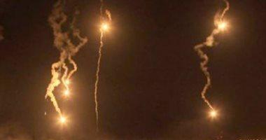 إسرائيل تطلق عشرات القنابل المضيئة بالقرب من الحدود مع لبنان